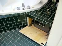 Caja fuerte camuflada en baño